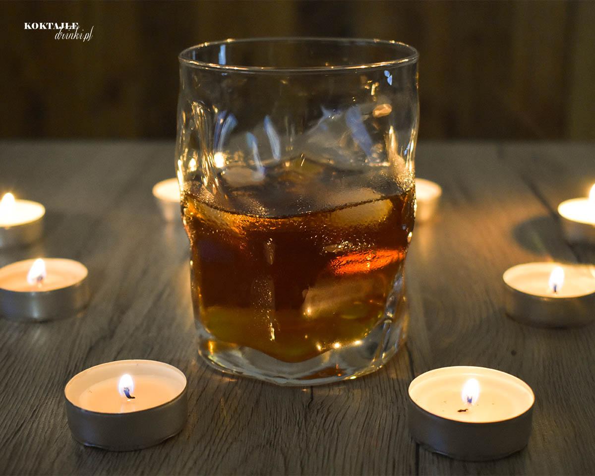 Jagerbomb Przepis Na Drink Z Jagermeister Koktajle Drinki Pl