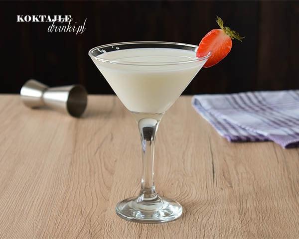 Milk Temptation to mleczny drink z malibu rum w kieliszku martini
