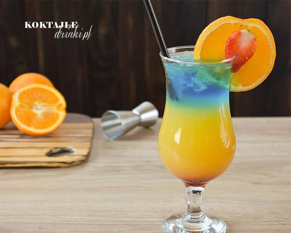 Drink Paradise Bay (Rajska Zatoka) złożony z 4 kolorowych warstw: czerwonej, pomarańczowej, zielonej i błekitnej.