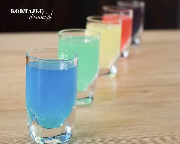 Pięć shotów kamikadze, kamikaze z wódką, nie tylko niebieskie, blue, ale też różne warianty.